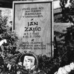 Provizorní podoba Janova hrobu po pohřbu